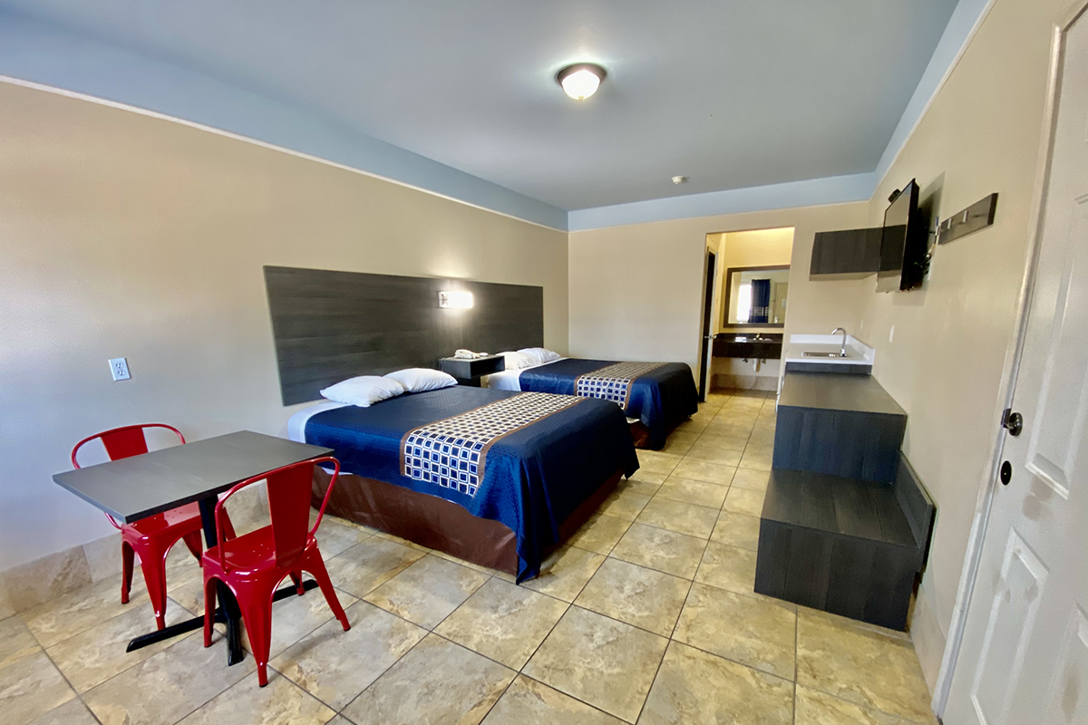 Superior Suite with Kitchenette
